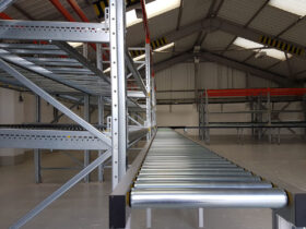 Close up Carton Flow Gravity Conveyor